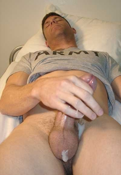 naked-soldier-horny-hunk